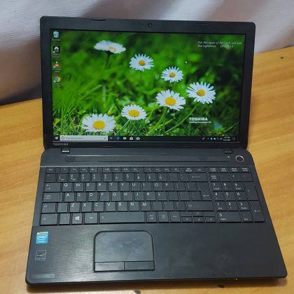 Toshiba Satellite C50 -2Gb Ram – 160HDD