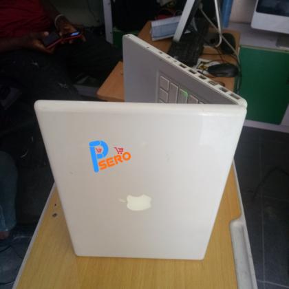Apple Macbook A1181, 2gb Ram, 160gb HDD,  Mac Os & Windows Installed